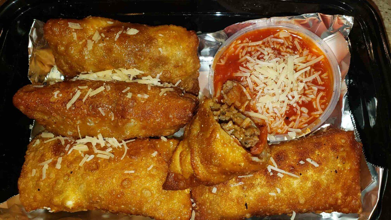 Fried Pizza Wontons with marinara