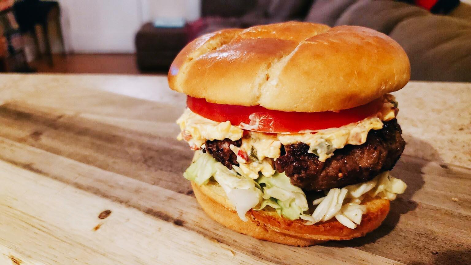 How to make pimento cheeseburgers